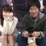 可愛い素人の女子大生のカップルが男性となれない公開セックスww【マジックミラー号-MM号無料動画】