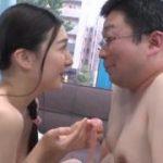素人の巨乳美女お姉さんがおじさん男性を連続で相手にセックスwww【マジックミラー号-MM号無料動画】