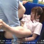 電車の中で痴漢されて喜ぶ制服可愛いJKコスプレ美女wwww【マジックミラー号-MM号無料動画】