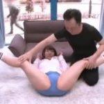 美人な人妻がレオタード姿でエロ開脚されておまん●なめなめさせられるwww【マジックミラー号-MM号無料動画】